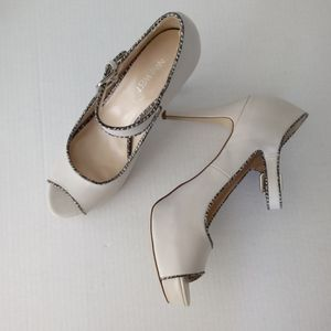 Nine West Bone Peep Toe Mary Jane's sz 10